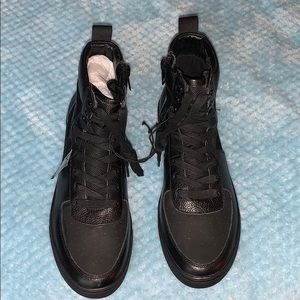 Express Brand high top shoes men size 10